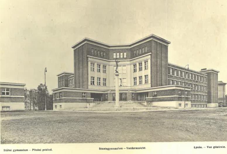 Státní gymnasium (čelní pohled)