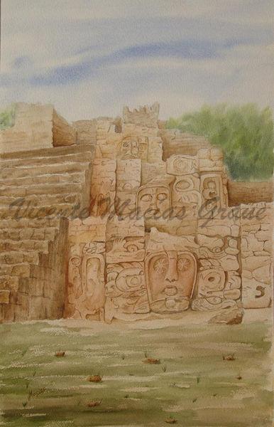 Pirámide_de_los_mascarones_en_Kohunlich.