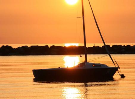Oggi, l'alba sul Mare Adriatico by Gianni Malatesta.
