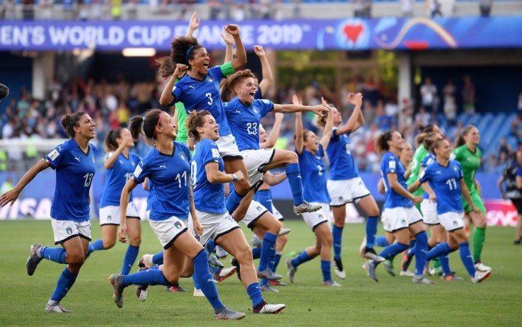 Calcio femminile in Italia. Finalmente.