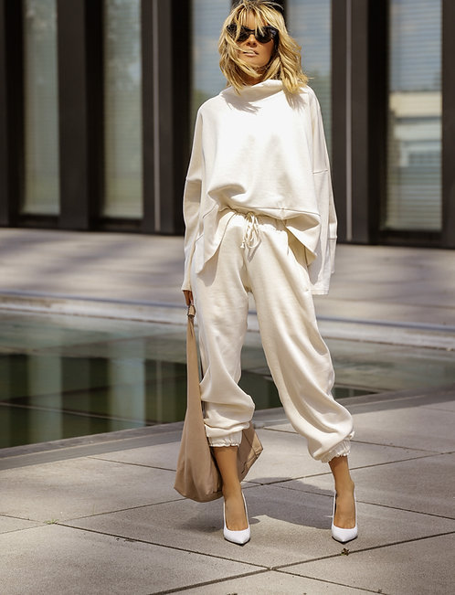 GITTA BANKO - OVERSIZED SWEATER IN CREME