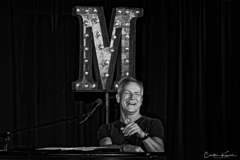 Dirk Michaelis-Live-1web.jpg