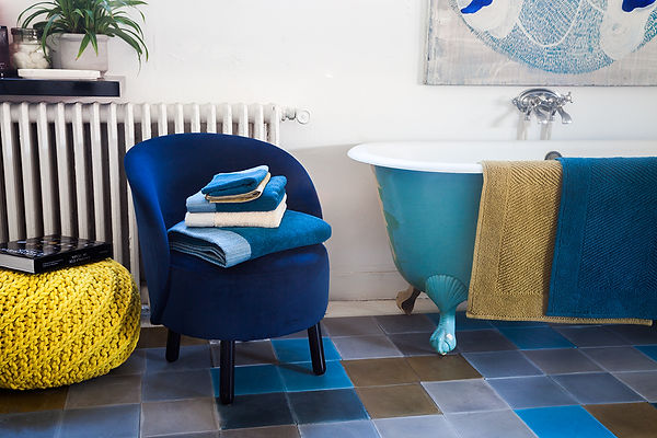 On the bathroom floor : traditional and contemporary