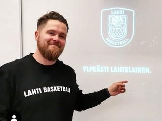 Tunne Työ 2.0 liputtaa: Lahden lyseon Urheilijan brändi ja viestintä -kurssi