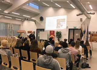 Helsingin Pelastuskoulu avasi ovensa Vuosaaren lukiolaisille