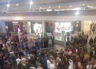 Etu-Töölön opiskelijat yrittäjyysmessuilla Tallinnassa