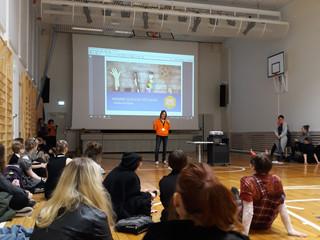 Kuvataidelukion ja WorkPilotsin yhteistyössä syntyneen Minä brändinä - kurssin julkistaminen