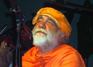 ONLINE Liederabend mit Swami Nirvanananda (Sa, 9. Mai, 18.00 - 20.00)