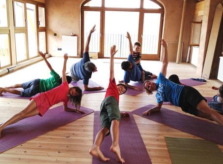 Kurs: Yoga für Jugendliche (ab 9/10 Jahre) mit Boris <br>(Schnuppern 24.04 • 8. Mai - 5. Juni)