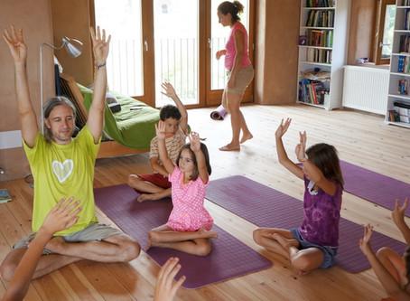 Kurs: Yoga für Kinder (5 - 9 Jahre) mit Boris <br>(Schnuppern 24.04 • 8. Mai - 5. Juni)