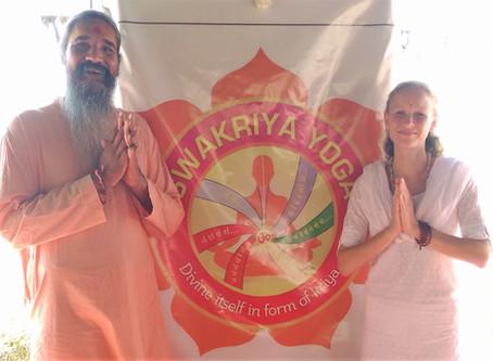 Workshop: Swakriya Yoga mit Swami Gurusharananda und Saraswati<br>(Sonntag, 20. Mai, 15:30 - 1