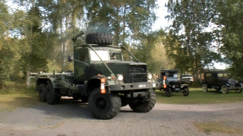 032 Ari_Venäläinen auto.jpg