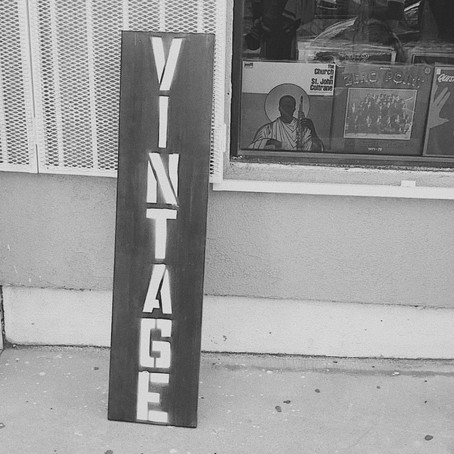 4 Benefits Of Shopping Vintage