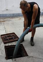 Den Beerboer ledigen septische put, leegmaken beerput