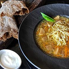 Суп из лесных грибов с домашней лапшой