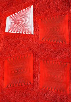 4 elementi asimmetrici su superficie materica rossa