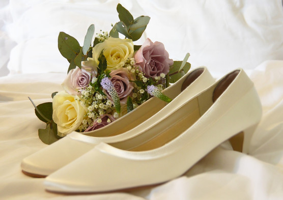 shoes_bouquet.jpg