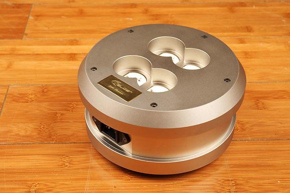 Telos Audio Design - TD-04R Power Distributor