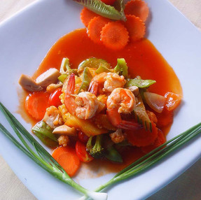 FRIED SHRIMPS OR CHICKEN WITH SWEET AND SOUR