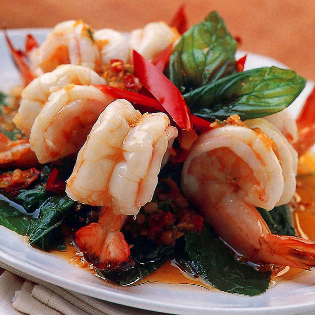 FRIED SHRIMPS WITH THAI BASIL AND CHILLI