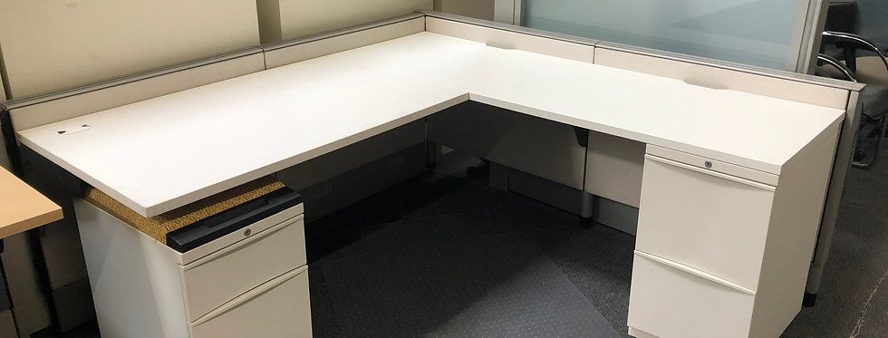 Teknion Workstations with Glass