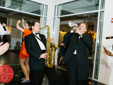 Hiring a Band or DJ for Wedding Music