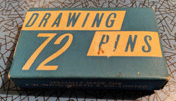 72 Drawing Pins