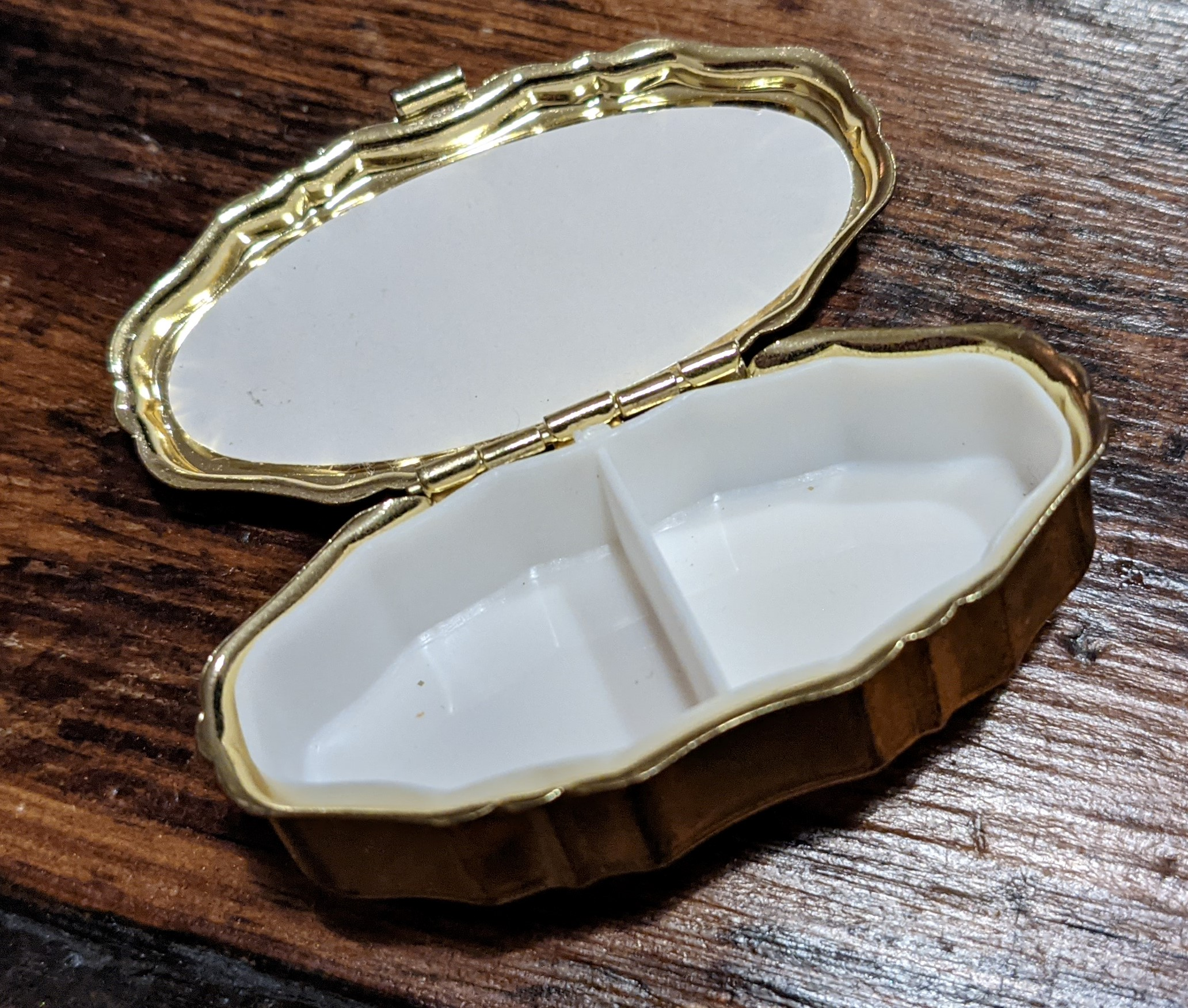 Pill Box 02
