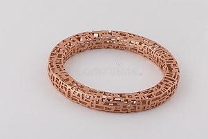 rose-gold-womens-braided-bracelet-isolat