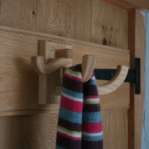 Oak Swivel Hooks