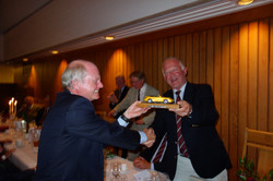 2014 09 09 Pete Bennett receives Hole in One Award