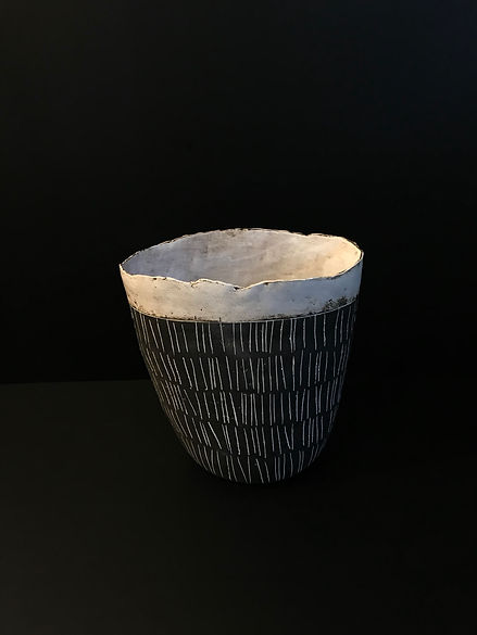 Lot 21: Ceramic vase by Shelley Maisel