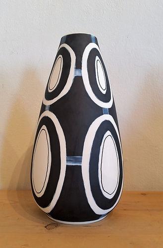 JP Meyer - Droplet vase B&W.jpg