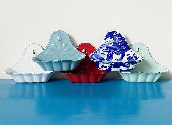 Vintage style enamel soap dish