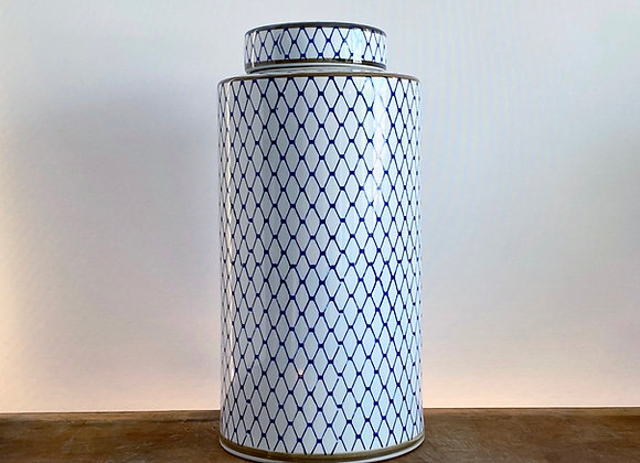 "Large ""net"" round Ginger jar"