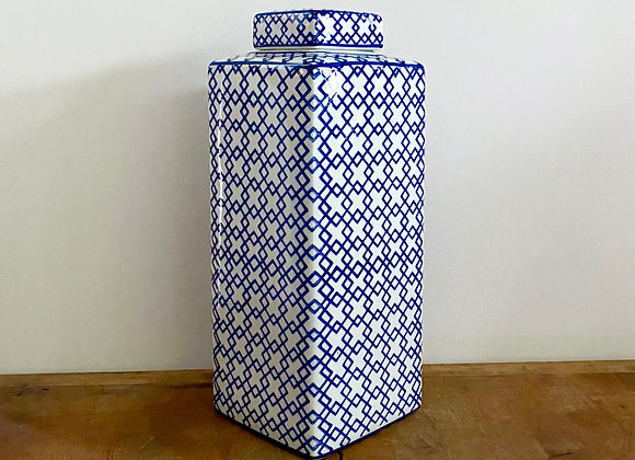 "Large blue and white ""criss cross"" Ginger jar"