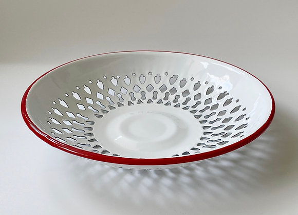 Bread basket in traditional white with red rim