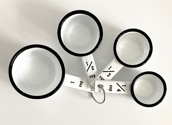 Set of 4 American style measuring cups in white enamel