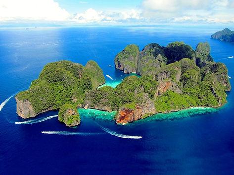 Дайвинг на Пхукете с дайвцентром Andaman Coast Dive College на островах Пхи Пхи