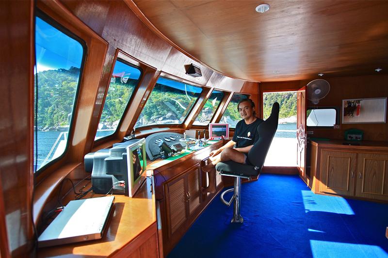 Manta Queen 3 - рубка капитана