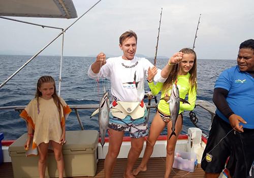 Вот такие тунцы ловятся по дороге на острова Рача