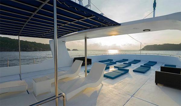 Sawasdee Fasai Sun Deck