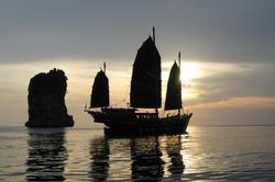 The Junk - сафарийный корабль