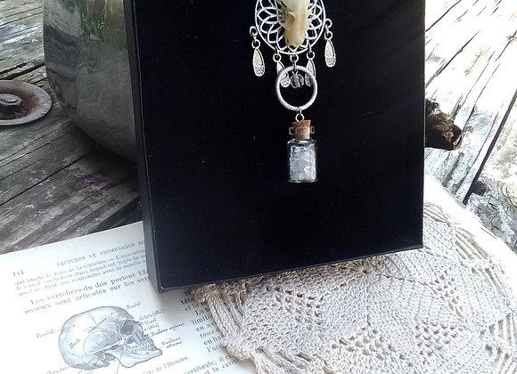 Les ensorceleuses - Pendentif amulette argent inoxydable, cristaux de roche