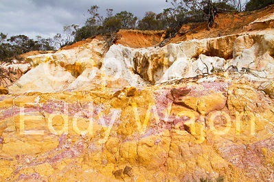 Corackerup Ochre Cliffs at GondwanaLink property Chingarrup Sanctuary, WA