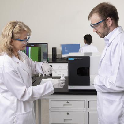 8700 LDIR Chemical Imaging System
