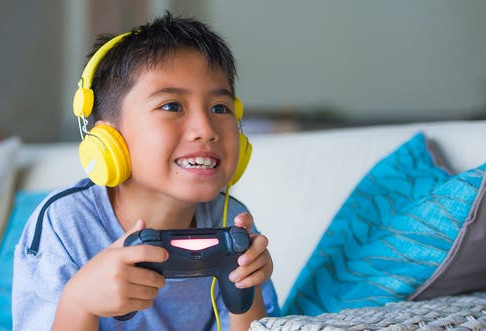 How Can My Child Learn to Get Along Without In-Person Activities?
