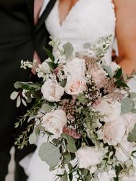 Bride holding bouquet - Bluestone Country Club - Jieru Photography