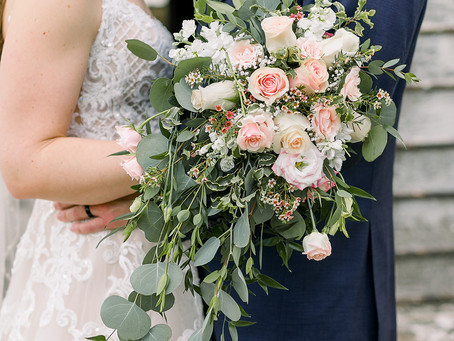 Changing your wedding plans due to COVID? Here are some ideas for your flowers!