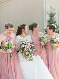 Bride with bridesmaids - Stacey Lynn Photography